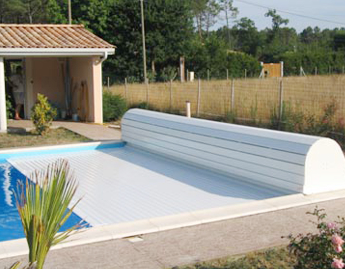 Favory piscines s curit for Piscine mur mobile